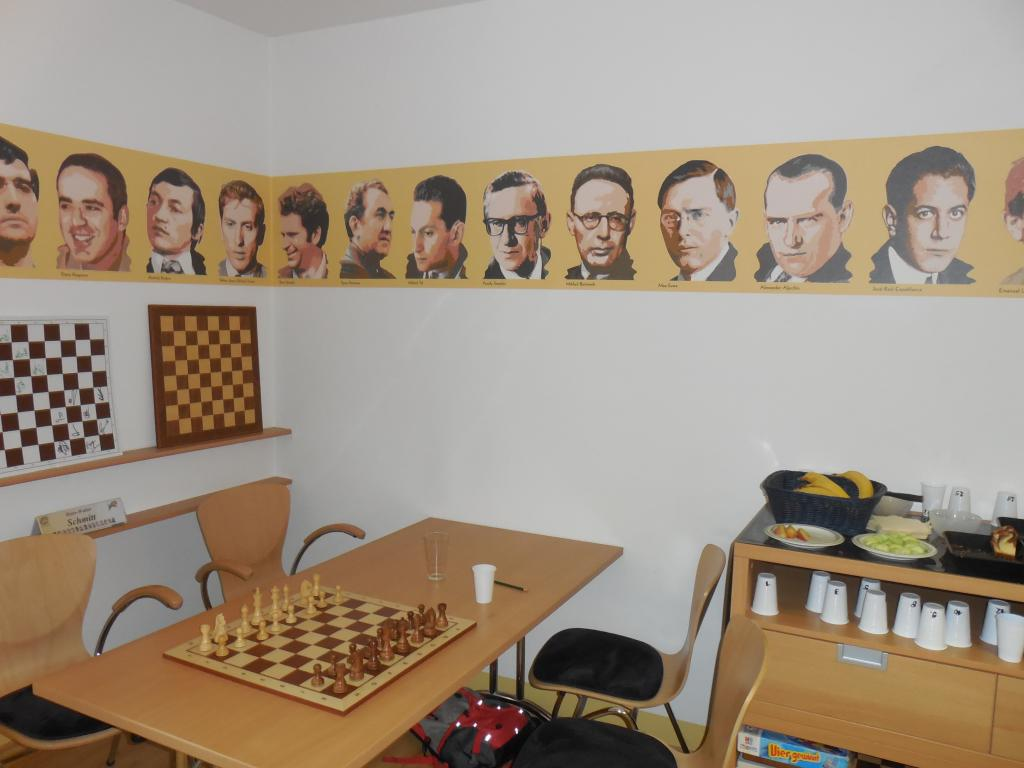 Altmeister im Chess Tigers Trainingscenter